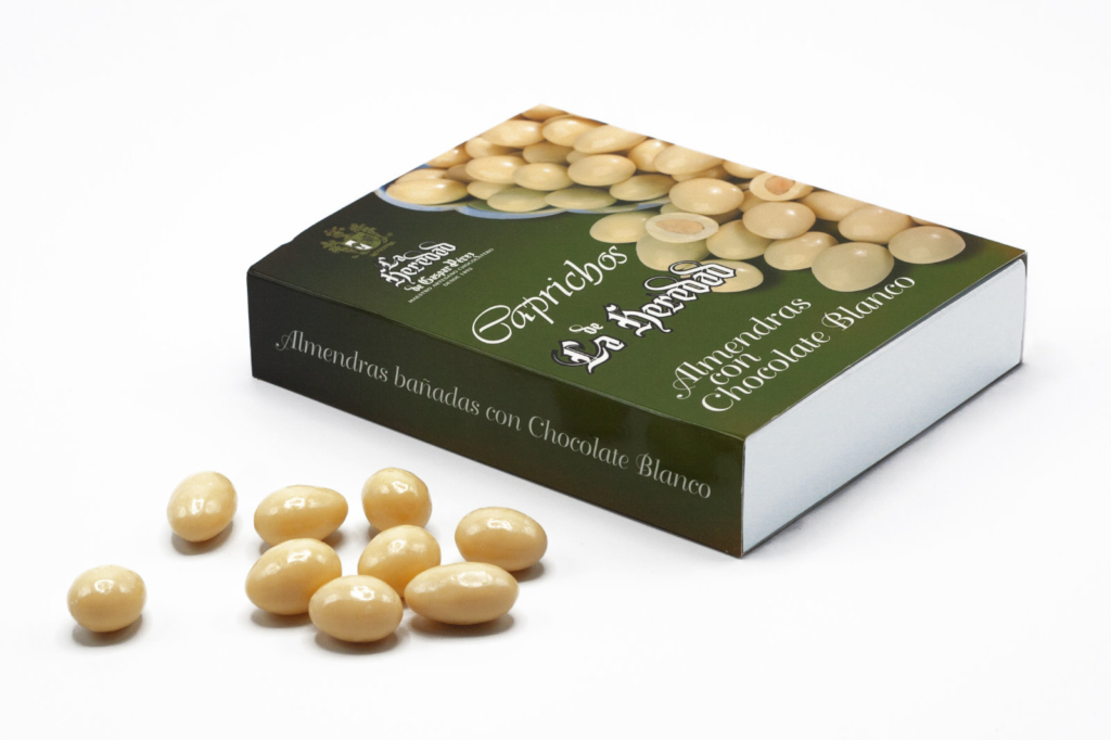 Caja de almendras bañadas con chocolate blanco